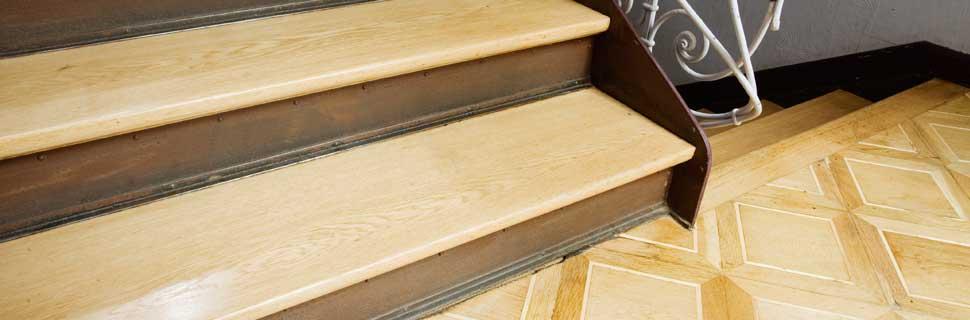 holztreppe lackieren treppe dekorieren vorher nachher bild ornamente romantisch muster with. Black Bedroom Furniture Sets. Home Design Ideas